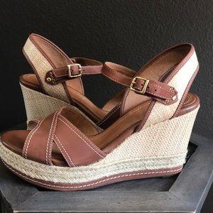 🔥 1 hr SALE - Clarks espadrille wedge sandals